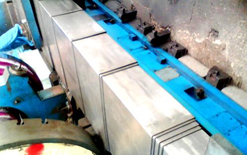 数控机床钢板防护罩导向滑块应用