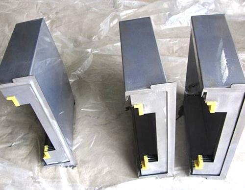 钢制伸缩式导轨防护罩