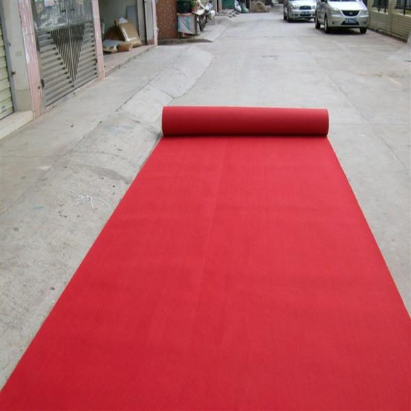 地毯现场铺展